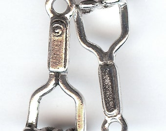 POTATO MASHER Charm. Pewter. 3D. Potatoes. Made in the USA.