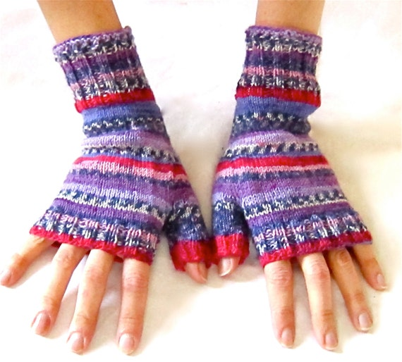 Fingerless Gloves Red Purple Faire Isle pattern
