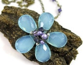 Daisy Necklace -Faceted Light Azure