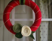 traditional chic christmas yarn wrapped wreath