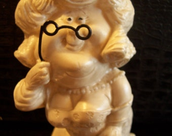 """1973 R. & W. Berries """" World's Greatest Mother-In-Law"""" Figurine"""