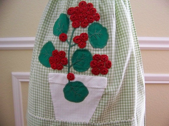Vintage GERANIUMS Gingham Apron with Appliqued and Embroidered Red Geraniums Green and White Gingham - Summer - Cooking - Gardener