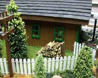 FAIRY GARDEN & TERRARIAUM Fence - White or Brown - Free Shipping // 18 Inches Long X 2 Inches Tall