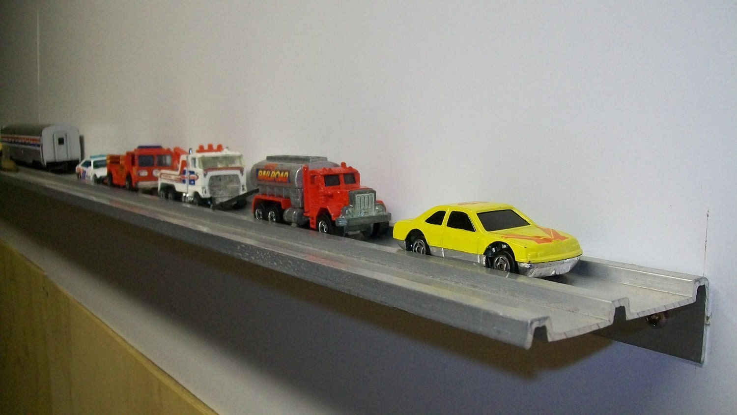Toy Cars Holder Shelf : Display shelves for matchbox cars wall shelf diecast
