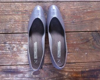 vintage taupe leather naturalizer wedge heels / women's size 7 / crocodile skin like
