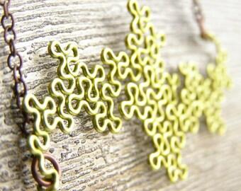 Fractal Necklace - Terdragon in Peridot