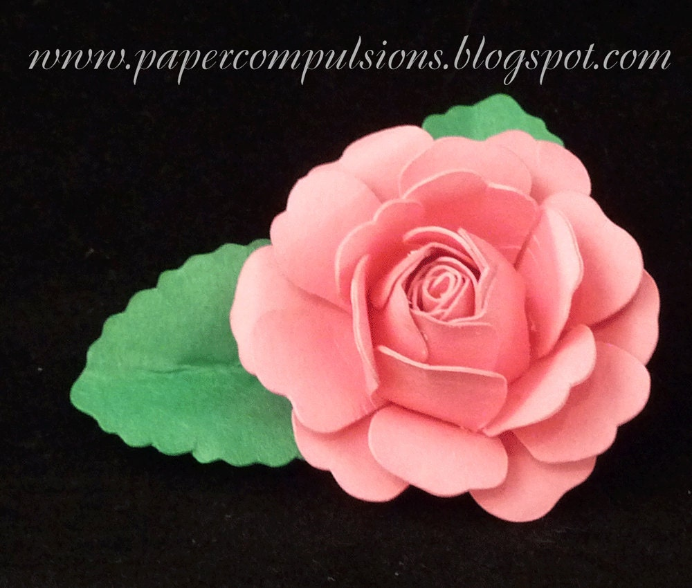 Paper to Petal : 75 Whimsical Paper Flowers to Craft by Hand by Rebecca Thuss...