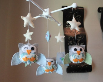 """Baby Crib Mobile - Baby mobile - Owl Nursery Mobile - Neutral Decor - """"Five little owls in the night"""" (You can pick your colors)"""