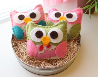 "Mini Felt Plush Toy ""Baby Isabellas"" The Owls - Owl Ornament - Party or Baby Shower Favor - Colors and Quantity of your Choice"