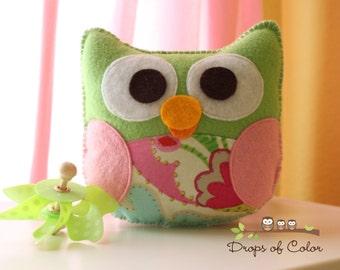 Owl Plush Felt Toy - Nursery Decoration - Party Favors - Miss Isabella The Owl - Cute Plush Toy