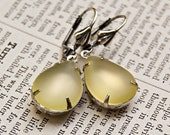 Vintage Style Frosted Jonquil Teardrop Earrings / Antiqued Silver / Vintage Jewels / SRAJD / E151