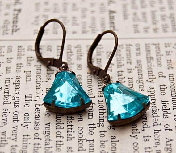 Antiqued Brass Vintage Style Earrings / Estate Style / Aqua Bells Vintage Jewels /SRAJD / E112
