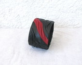 Red Line Leather Cuff, black red, wrinkled leather, snap button