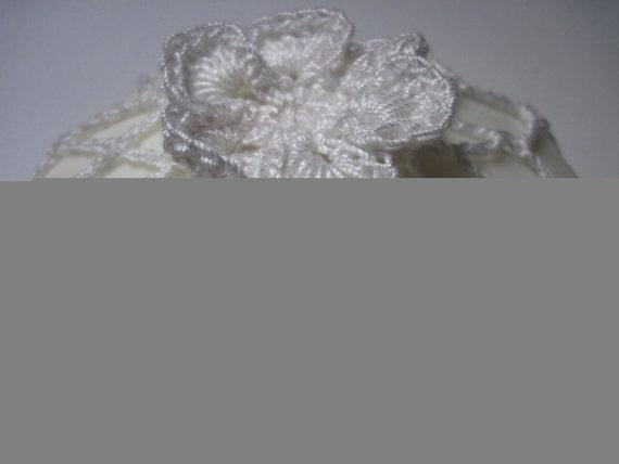 Favor Guest Soap in Flower Crochet Cover - White