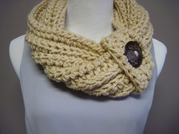 Chunky Bulky Button Crochet Cowl:  Beige with Brown Speckled Button