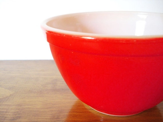 Vintage Pyrex 401 1 1/2 Pint Red Small Mixing Bowl