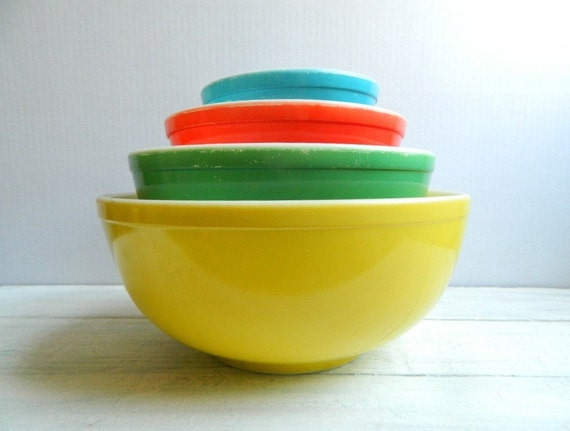 Vintage 1940s Pyrex Primary Mixing Bowl Set TM REG