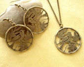 Set of Lovely Bird Earring and Necklace - Anitqued Bronze EN35