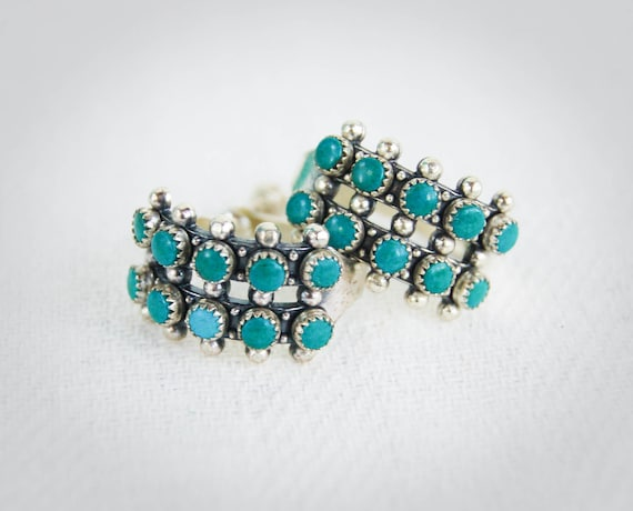 Vintage Zuni Turquoise Earrings Petit Point Screwback