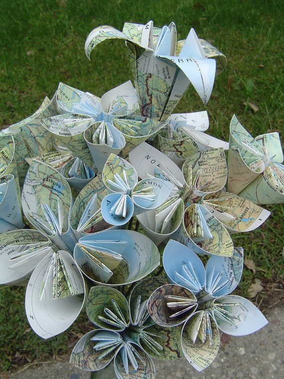 Vintage Map Paper Flower Bouquet of Europe, Origami Kusudama and Lily Flowers