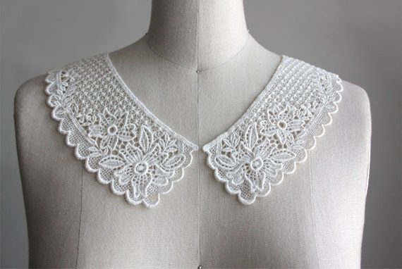 LACE COLLAR CREAM Crochet Peter Pan Collar- Last Two Available