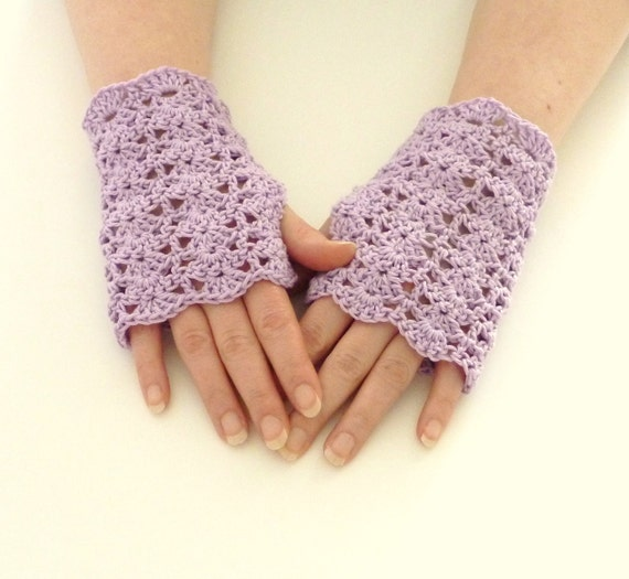 Lacey crochet wrist warmers fingerless gloves lavender lilac lace