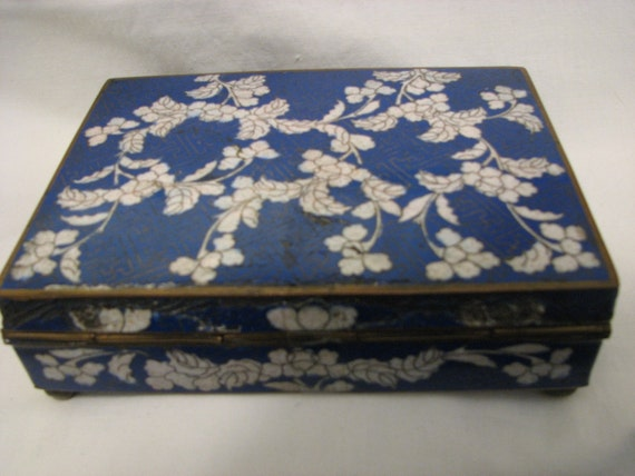 ON SALE Antique Chinese Cloisonne Box 6 Inches