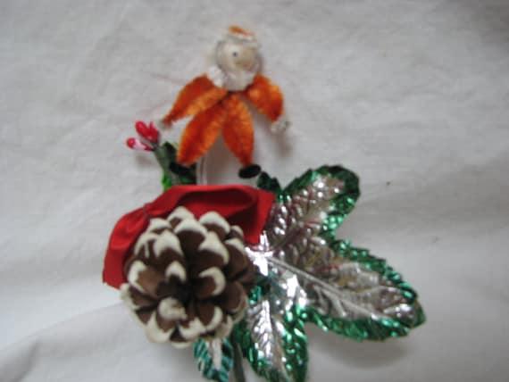 Vintage 1950 Christmas Chenille Santa Pinecone Corsage