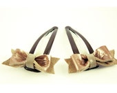 Leather bow hair clip, leather snap clip, leather bow clip, bow clip, brown and grey color.
