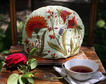 WILD YARD Tea Cozy - Hand Embroidered 100% Linen Tea Cozy