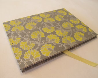 Large Yellow and Silver Grey Guest Book: Metallic Silver and Yellow Floral Guestbook
