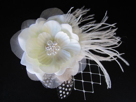 Sophia - Bridal Ivory Flower Hair Clip Fascinator With Orchid Feathers - Beads