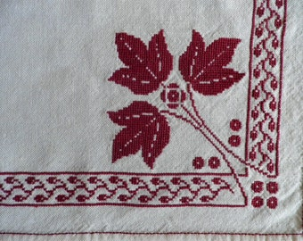 Vintage Red Embroidered Table Buffet Cover, Vintage Bureau Scarf, Vintage Embroidery, Vintage Linens