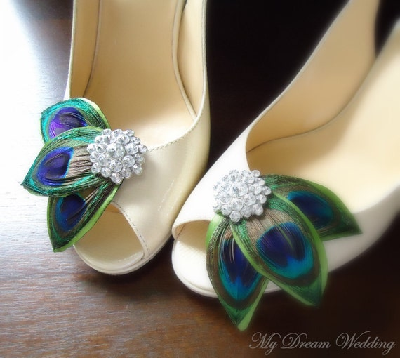 Peacock Shoe Clips. Green peacock leaves Shoe Clips. Feathers, Wired petals, Bride, Bridal, Wedding. -LISSA MARIE CLOLLECTION-