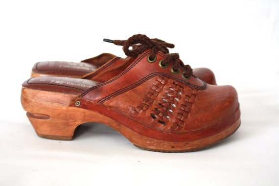 Vintage 1970s Wood and Leather Clogs // 5m