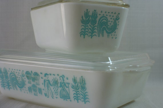 15PERCENT OFF  vintage pyrex refrigerator dishes with lids in amish butterprint