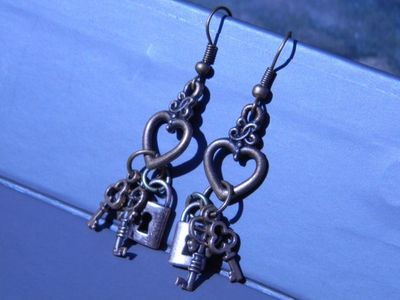 Steampunk Keys to my Heart earrings by Time Traveler Emporium