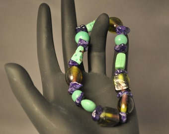 Purple/Green INDIA GLASS bead bracelet