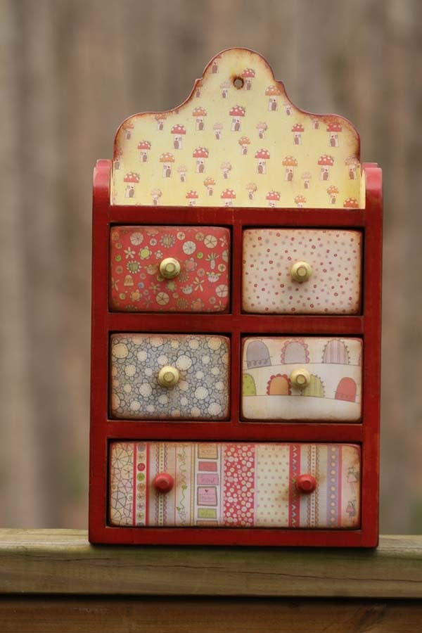 Decoupaged Wooden Six Drawer Small Chest Of Drawers