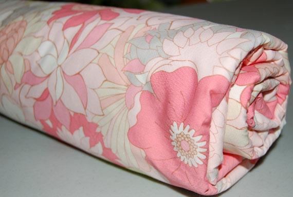 Pink Baby Blanket - Toddler Blanket - Flower Bed for Baby Girl