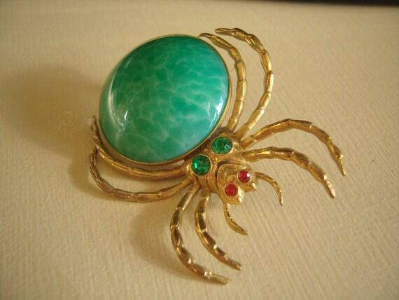 Spider Vintage Brooch Green Peking Glass Body-Bug Brooch-SALE