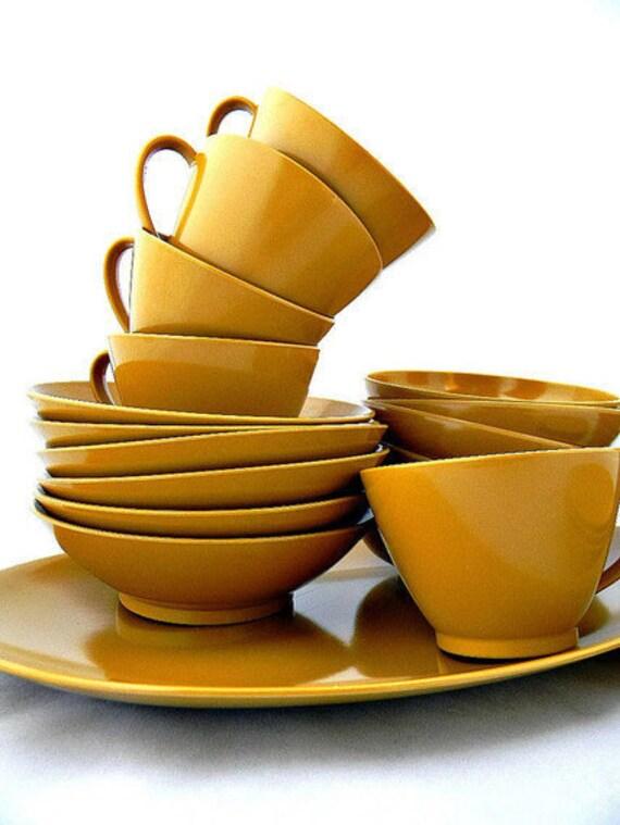 mustard melamine dinnerware