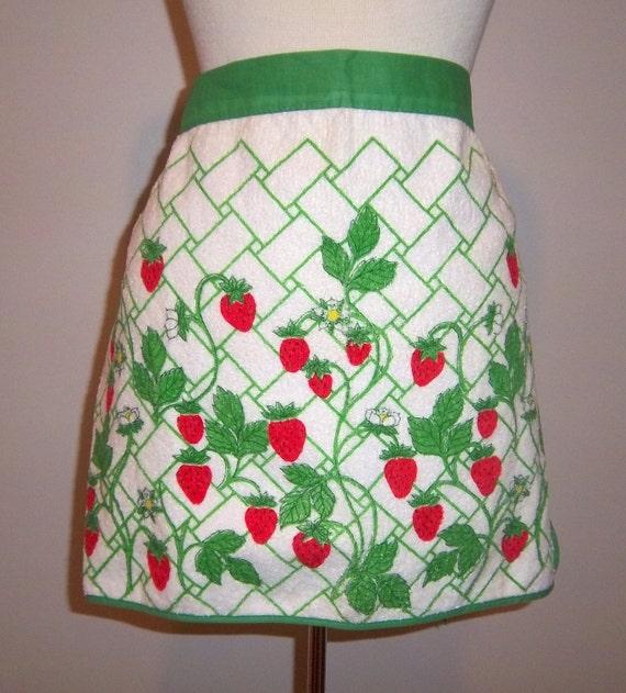 Vintage Handmade Terry Dish Cloth Half Apron Strawberries