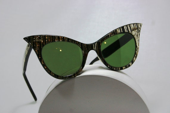 Tinsel Town Sunglasses