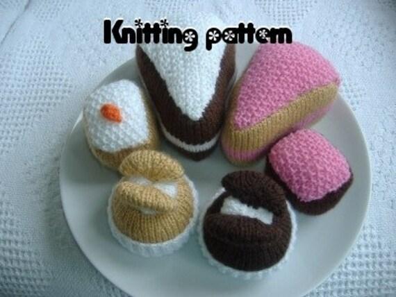 Knitting pattern slice, slab and butterfly cakes. UK seller