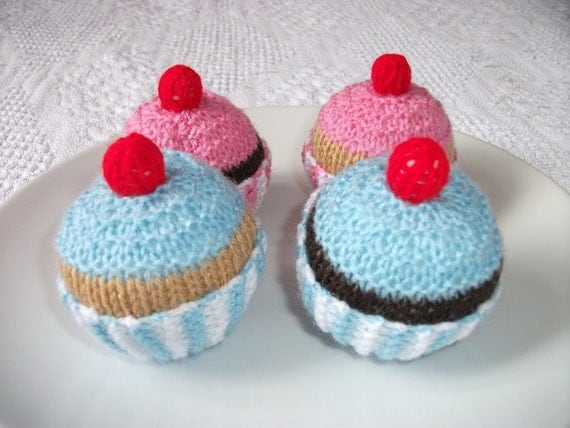 Cupcakes hand knitted.  4 full size. UK seller