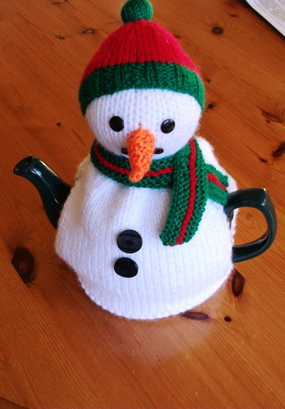 Snowman tea cosy cozy hand knitted. UK seller.