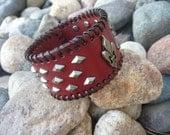 Leather Bracelet.Leather Cuff Bracelet/Wristband.Burgundy.Bangle.Unisex.Women.Men.