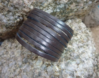 Leather Bracelet.Brown Fashionable Charms Leather Bracelets .Men&Lady's.Unisex.