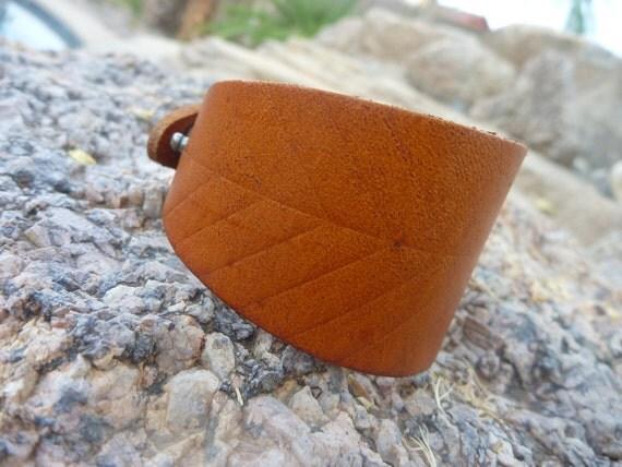 Leather Bracelet.Light Brown Leather Cuff Bracelet.Unisex